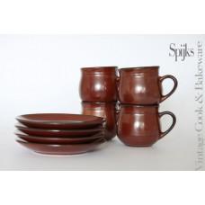 Set kop en schotel bruin aardewerk Jaren 70 stijl